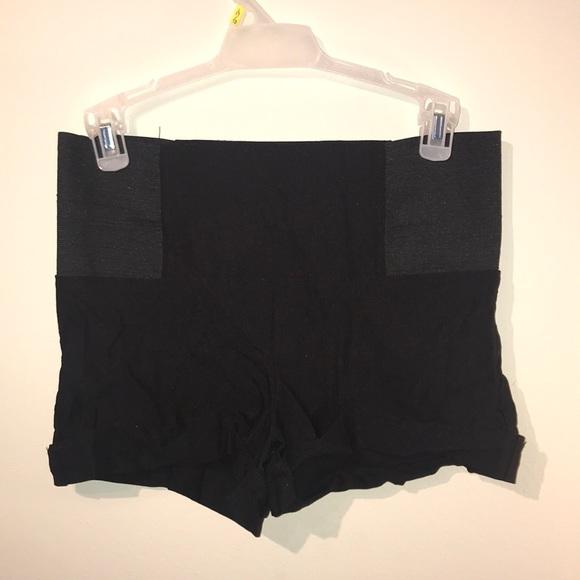 Valia Pants - Dress Shorts